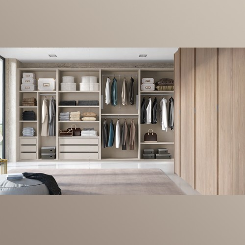 Walk in Closet Essence