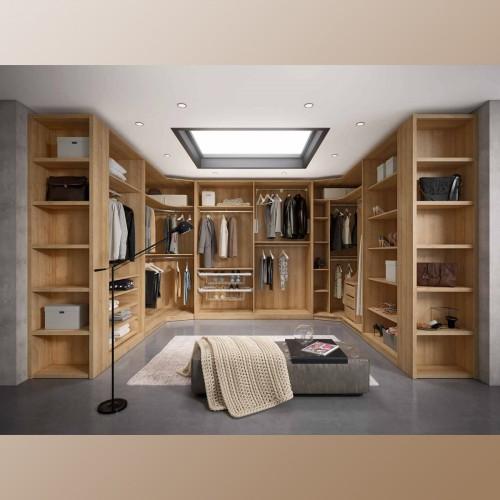Cinnamon Walk-in closet