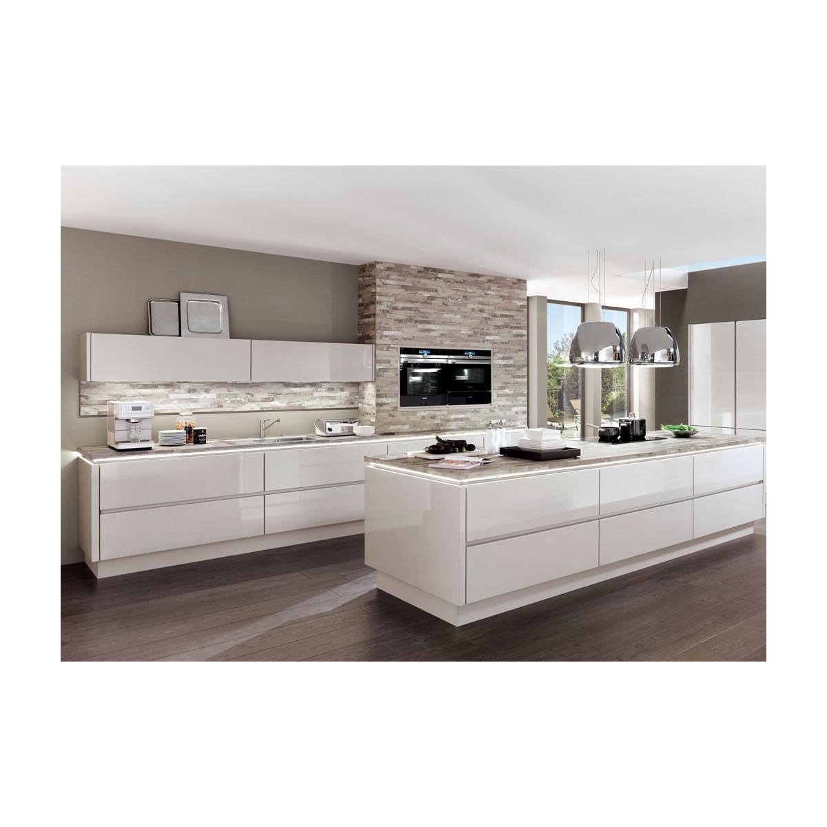 Kitchen 819
