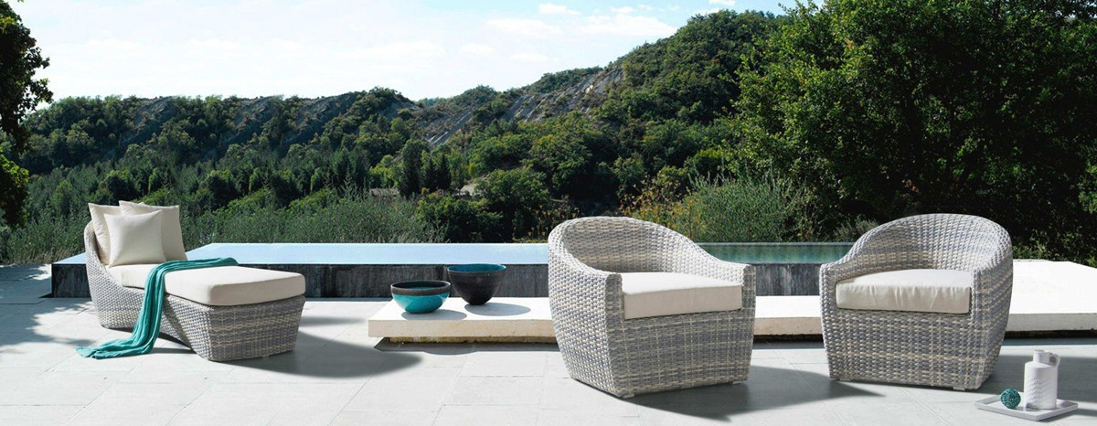 Outdoor furniture: for your terrace or your garden.