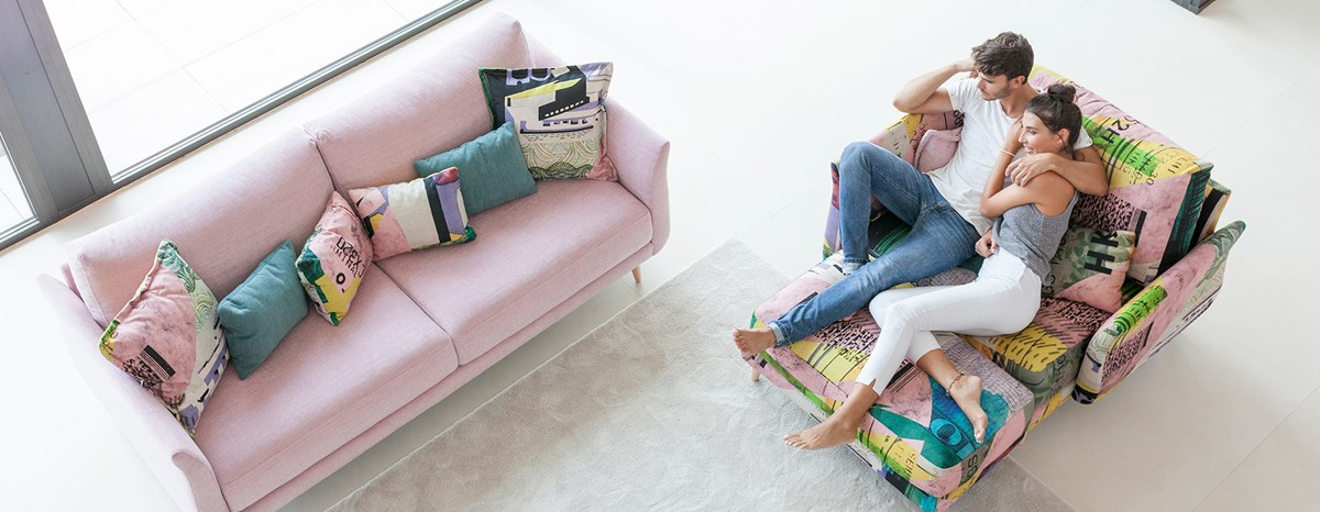 Design, comfort and functionality in a high quality sofa.